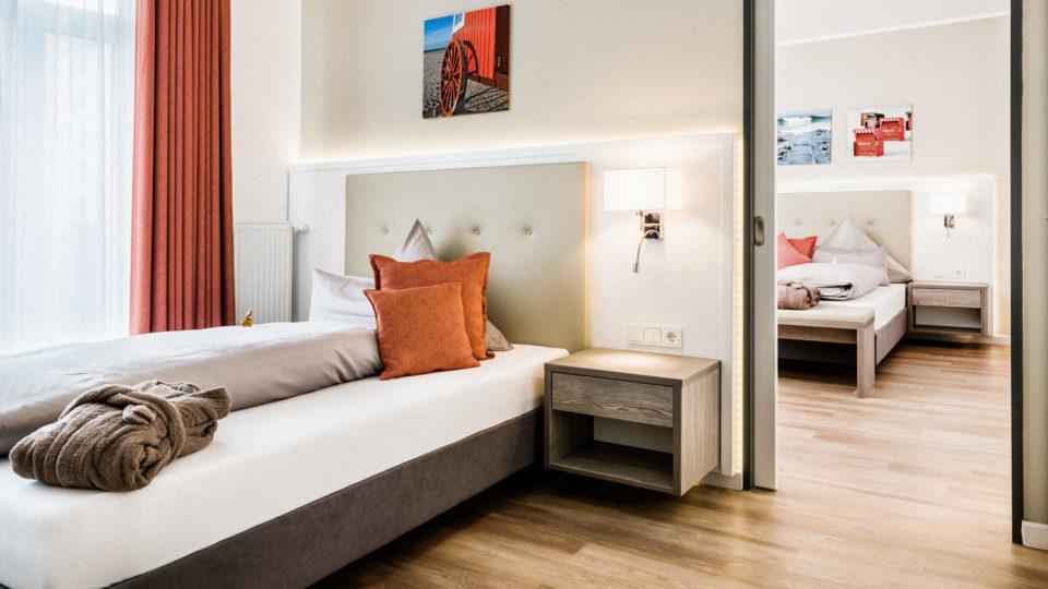 Familienzimmer_Rot_Hotel_Inselhof_Borkum